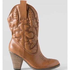 b41ad1868f1 Women s Brown Mia Cowboy Boots on Poshmark